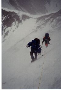 Ascent at the North face of Everest 7.600 m